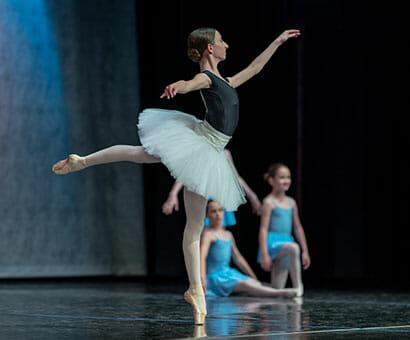 Ballet 3 Pointe Var classes instruction in Northern Virginia - Lasley Centre