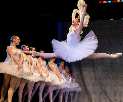 Ballet V dance classes instruction in Northern Virginia - Lasley Centre